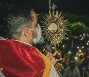 Paróquia São Roque celebra vinte anos de criação e festa do padroeiro