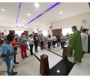 Catequistas da Paróquia Frei Galvão são enviados para o retorno das atividades