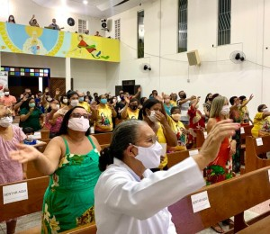 Paróquia Santa Luzia celebrou a festa de sua padroeira  neste domingo (13/12)