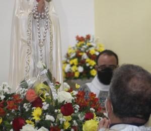 Festa em honra a Nossa Senhora Rosa Mística aconteceu nessa terça-feira(13)em Simões Filho