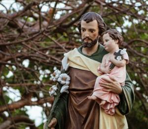 A oração de José é alimentada na fé  por Pe.Valmir Miranda