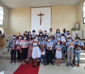 Paróquia Cristo Ressuscitado realizou celebração com primeira eucaristia