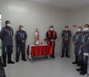 Imagem de Santa Bárbara foi  abençoada e entronizada no Batalhão do Corpo de Bombeiros de Camaçari