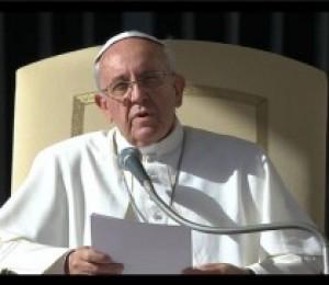 Papa reza e manifesta pesar pelas vítimas do furacão Haiyan-Yolanda