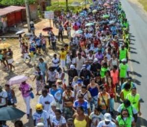 Fé em Nossa Senhora das Candeias atrai 15 mil pessoas na Peregrinação Luz e Fé