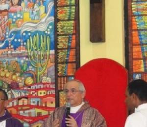Dom Giovanni D´Ániello preside missa pelos cinco anos da Diocese de Camaçari
