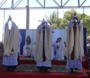 Diocese de Camaçari ganha três novos padres, a ordenação foi realizada em Terra Nova neste sábado (15)