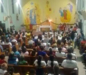 Repleta de fiéis, Paróquia Santa Luzia festeja sua padroeira