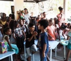 Grupo Missão nas alturas realizou neste sábado (13) uma ação social para as crianças