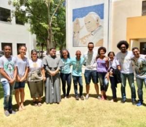 Setor juventude avalia caminhada e planeja atividades em Assembleia