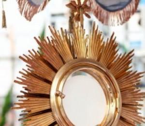 Ano eucarístico : Diocese de Camaçari promove encontro para o clero e religiosos