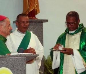 Paróquias da Diocese de Camaçari acolheram novos párocos nesse final de semana