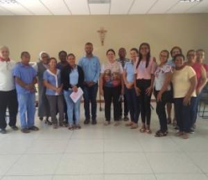 Funcionários participam de manhã de oração e espiritualidade