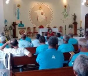 Homens de Simões Filho participam de encontro do Terço dos Homens